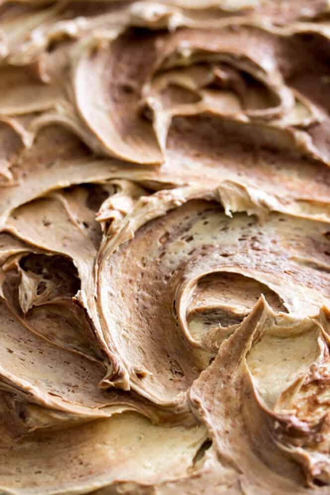 Peanut Butter Sheet Cake with chocolate & peanut butter frosting || Sugar Spun Run