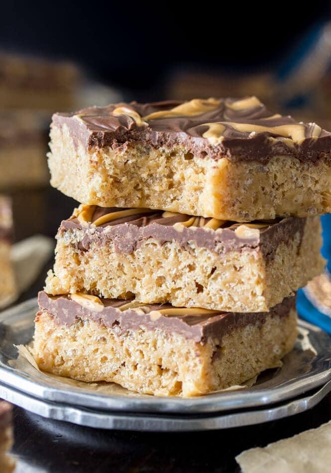 Scotcharoos -- a peanut buttery butterscotch & chocolate rice krispie treat || Sugar Spun Run