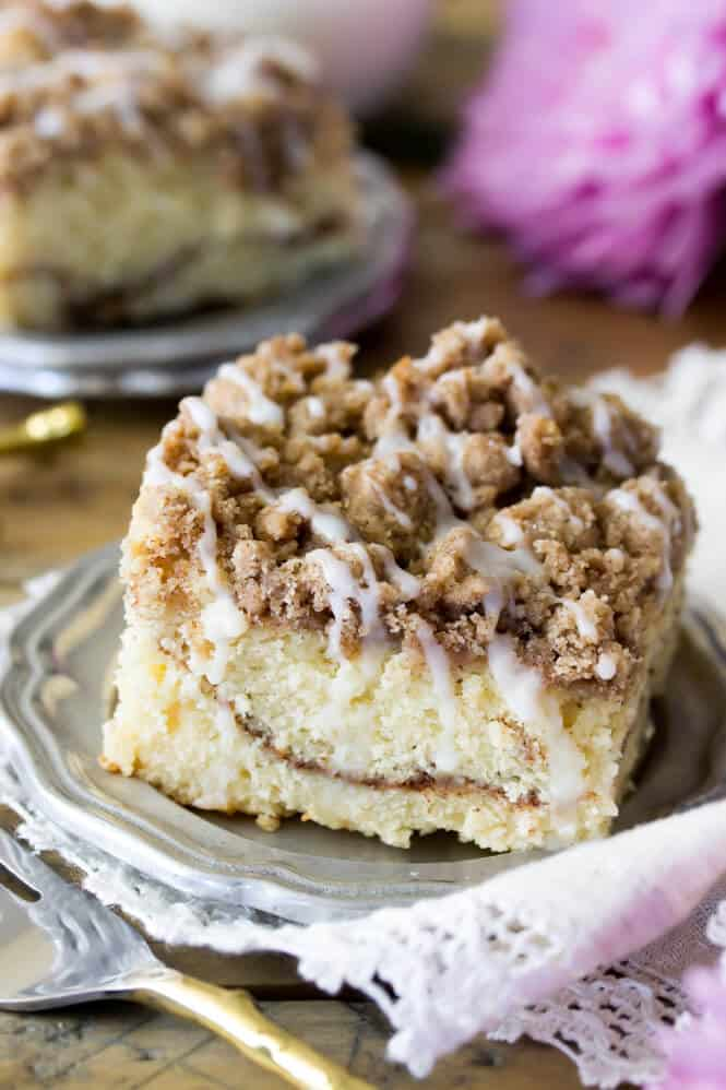 My favorite Cinnamon Coffee Cake recipe! It's so soft! || SugarSpunRun
