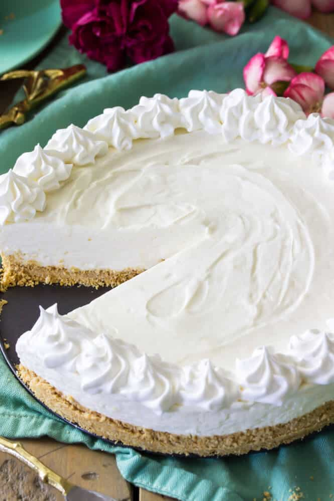 No bake cheesecake -- can be made with homemade whipped cream or cool whip || Sugar Spun Run