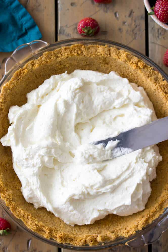 Whipped cream cheese layer for strawberry cream cheese pie || Sugar Spun Run