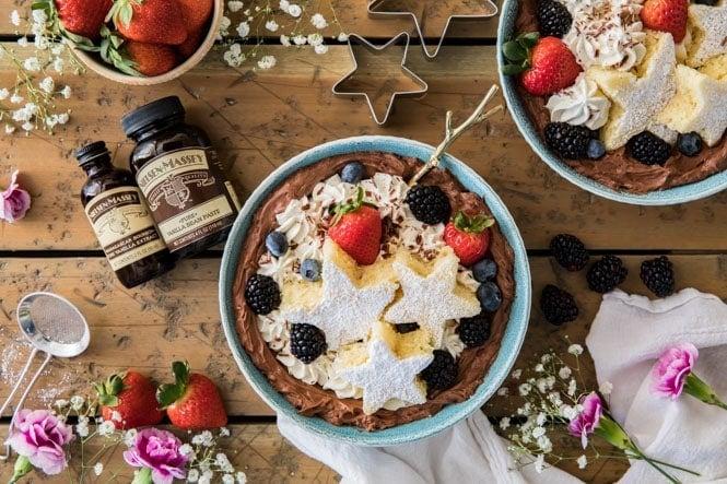 Dessert bowls made with premium vanilla extract
