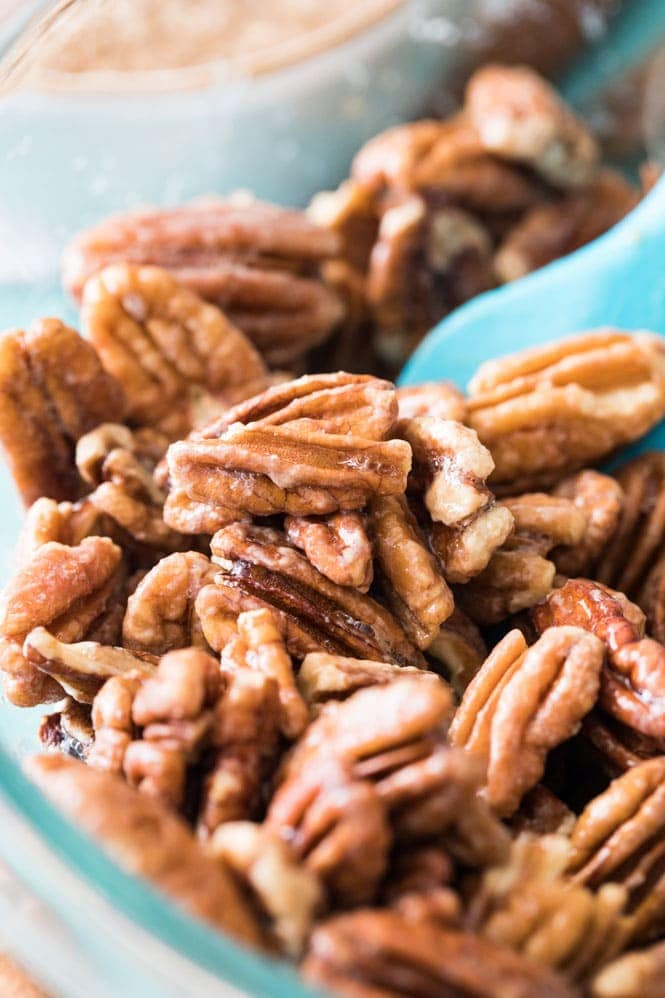 Preparing candied pecans