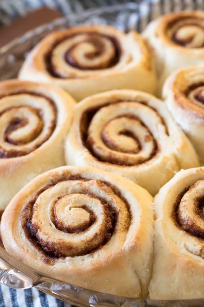 Cinnamon Rolls in pie plate