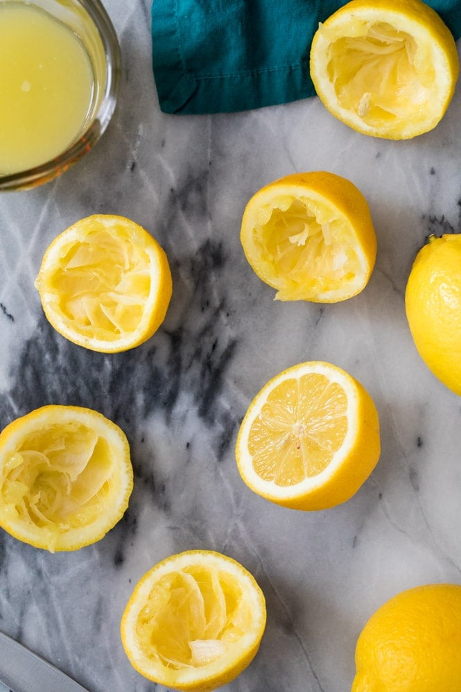 How to make lemon curd: squeezing fresh lemons