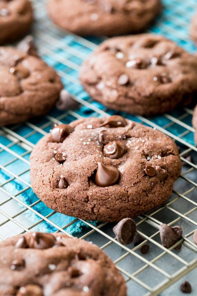 Chocolate cookies cooling on cooling rack
