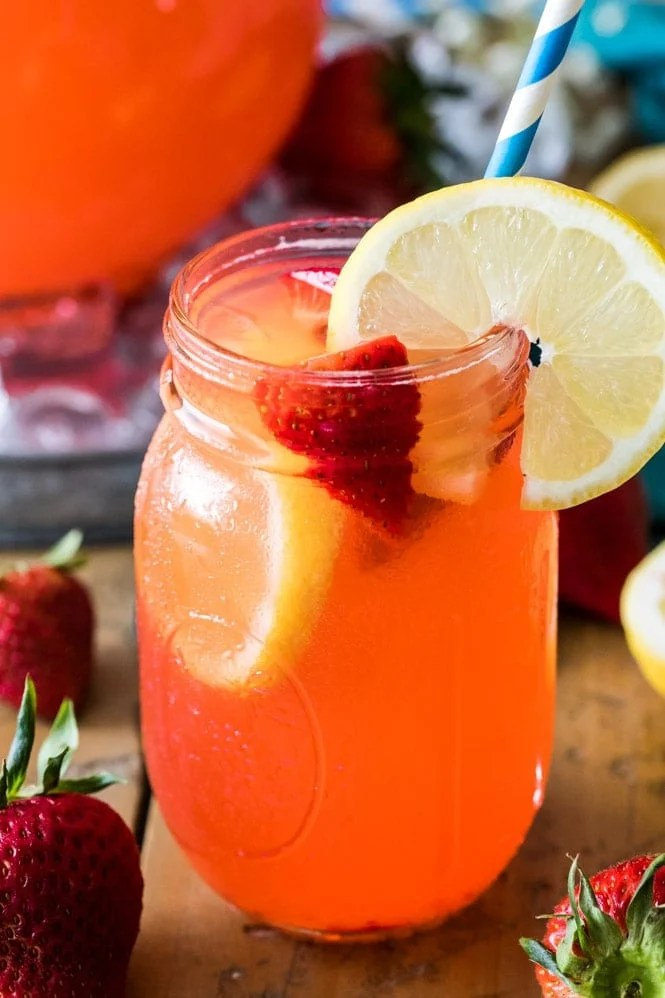 Mason jar filled with strawberry lemonade