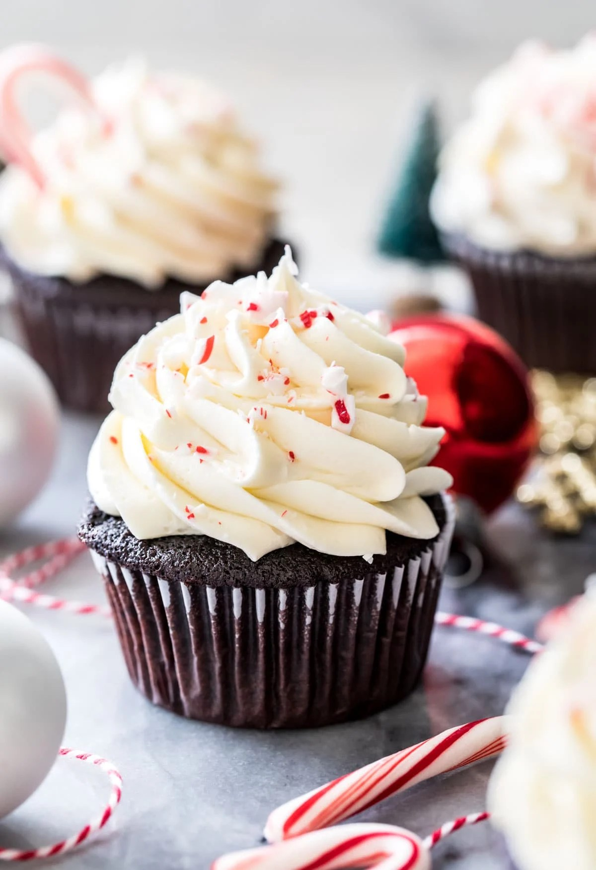 peppermint bark cupcakes