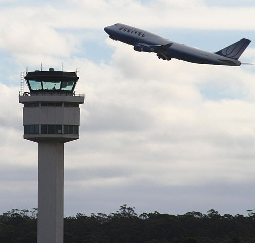 Hilarious conversations between airplane pilots and their control tower