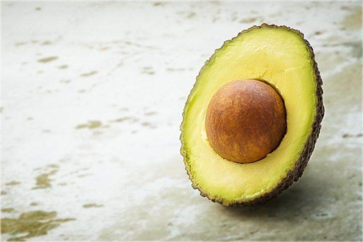 アボカドとは、どんな野菜?果物?】歴史や栄養素などを紹介