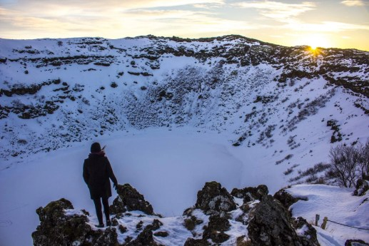 kerid crater golden cirlce solo female travel icelend winter roadtrip