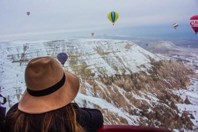 Turki Cappadocia Balon Udara Panas Musim Dingin Solo Wisata Perempuan Perjalanan Bicara Panduan Jadwal Perjalanan