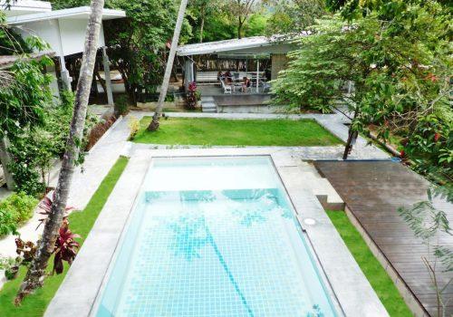 Glur hostel pool view