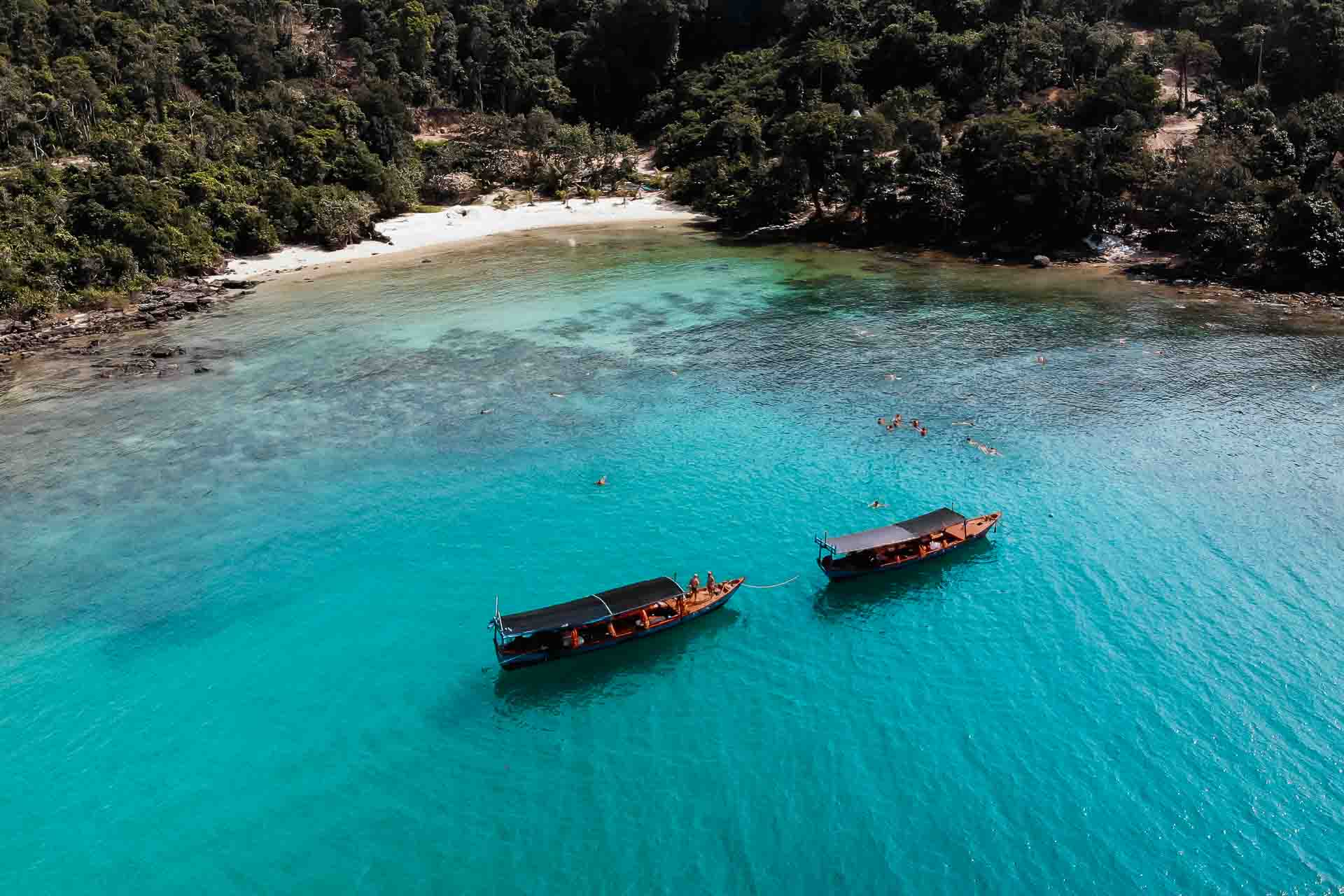 Island-hopping in Koh Rong