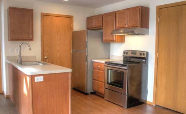 Woodsview-2-6-17-kitchen-7