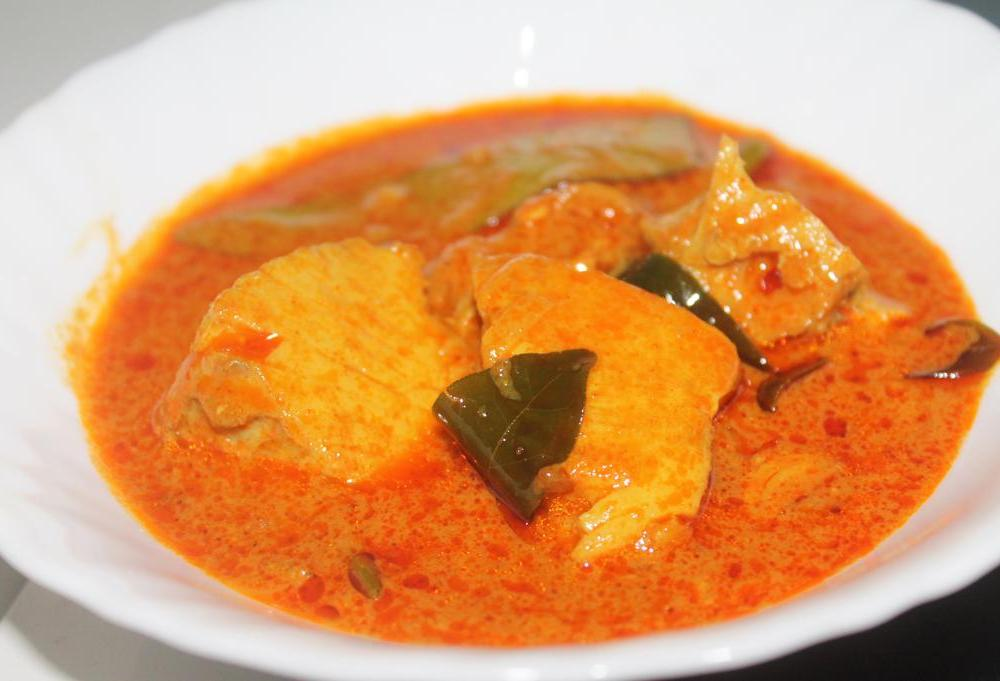 spicy fish mango curry