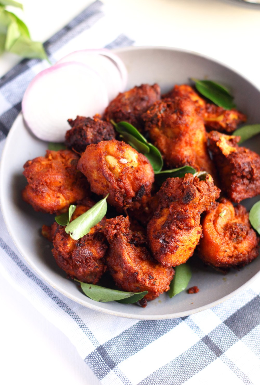 Thattukada style Chicken FRY//Kozhi Porichathu