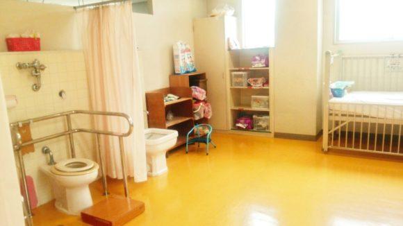 市立養護・トイレ