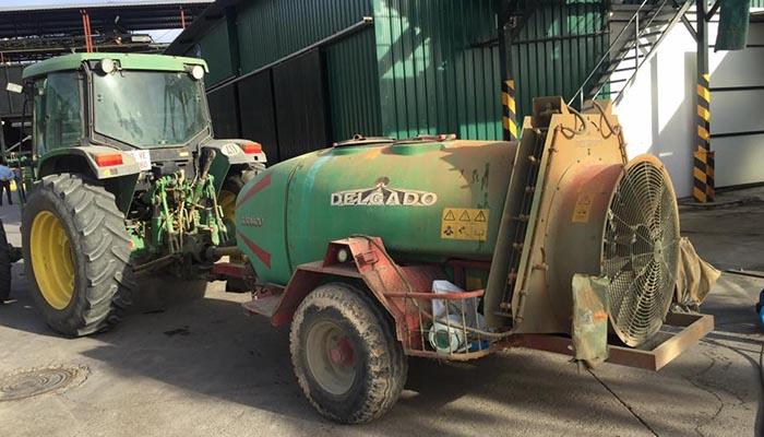 tractor sucio sin sulfatin