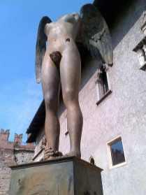 Igor Mitoraj Ikaria 2013 bronzo Castel Vecchio Verona 2013