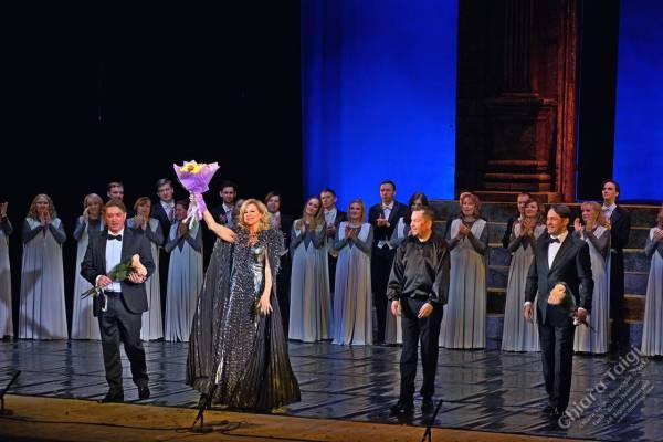 "Chiara Taigi al Gala Lirico ""Opera, Bravi!"" - Applausi e Standing Ovation"