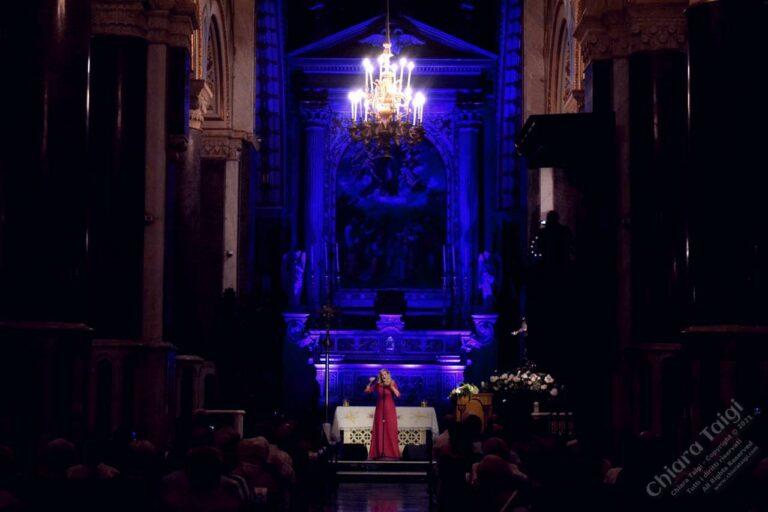 CHIARA TAIGI - INCANTA IL PUBBLICO IN CATTEDRALE ALTAMURA - 13 AGOSTO 2021 - Cattedrale S. Maria Assunta