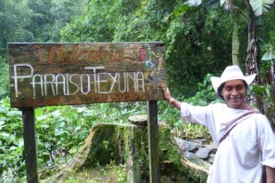 Our Wiwa guide Manuel, welcoming us into the Paraiso Teyuna camp, last stop before the Lost City in Colombia