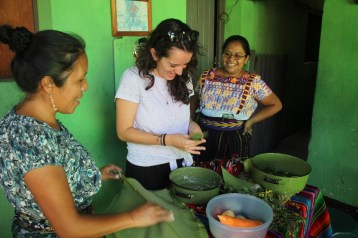 While being in a homestay in Lake Atitlan, Guatemala, learning local cuisine is a must for foodies