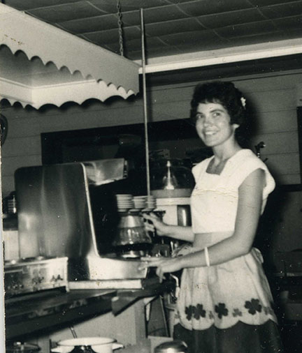 Co-owner Gloria Jean DiFabio working the restaurant. Louis DiFabio collection.