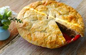 pot pie, home cooked, chicken, beef, steak and kidney, pie, puff, pastry, catering, own dish, easy, entertaining, dinner ideas, lunch ideas