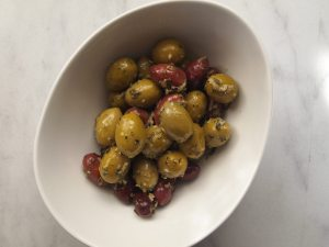 olives, deli, marinade, entertaining