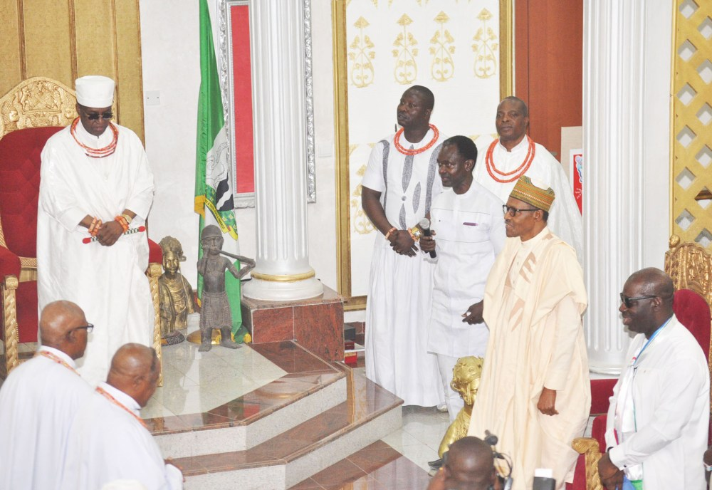 Oba of Benin, Oba Ewuare II Receives President Muhammadu Buhari; Edo State Governor, Mr. Godwin Obaseki; and Members of the National Leadership of APC during the President's visit to the Oba's Palace, in Benin City on Thursday, January 17, 2019.