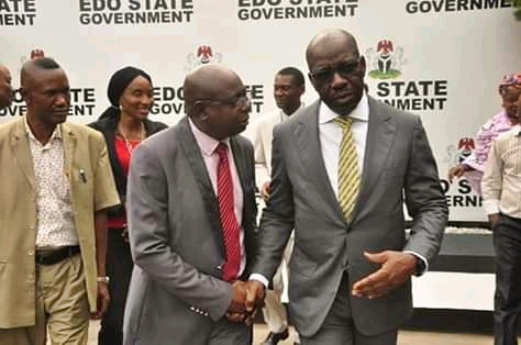 Governor Obaseki (R) Edo NUJ Chairman Roland Osakue (C) and Lucky Isibor (L), Financial Secretary during the union's courtesy visit to the Governor Wednesday, 23/01/2019 in Government House.