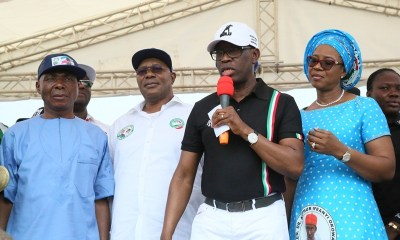Delta State Governor, Senator Ifeanyi Okowa (2nd right); his wife, Dame Edith (right); Deputy Governor of Delta State, Barr. Kingsley Otuaro (2nd left) and Senator James Manager, during Peoples Democratic Party (PDP) Campaign, Warri North Chapter Delta State.