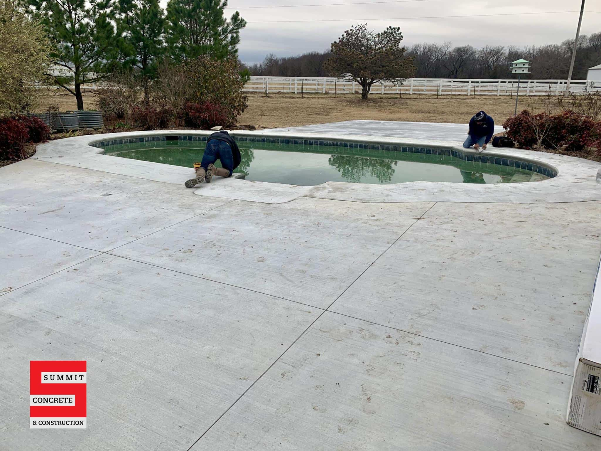 2021 01 06 Oklahoma concrete driveway sidewalk patio pool coping IMG 7819 scaled