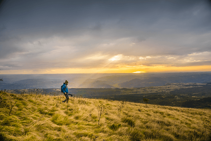 hiking-stock-image