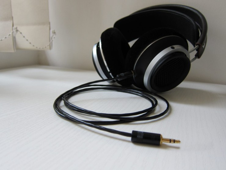 Philips Fidelio X1 with custom cable