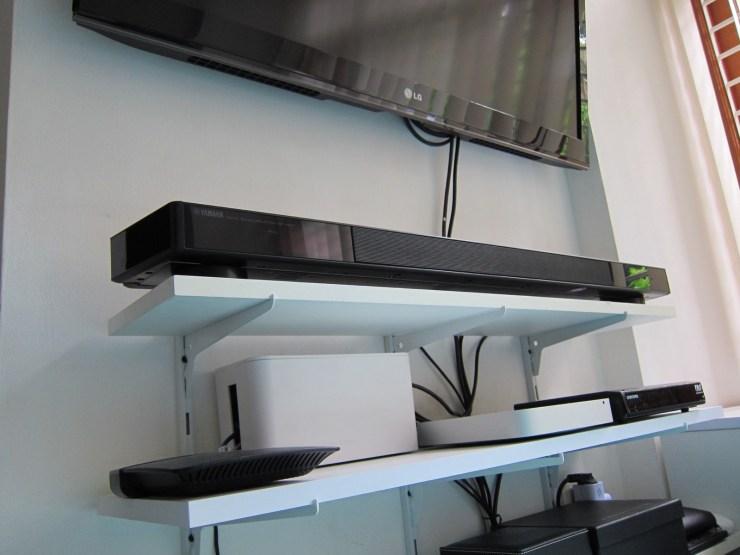 My home theater setup: 42″ LG LED screen, Yamaha YSP-2500, Mac mini with Plex, Samsung Cable STB.