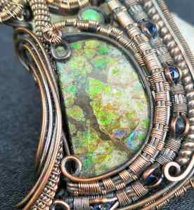 Ammolite-Sapphite-Medallion Exclusivejewelry SunayLaLuna