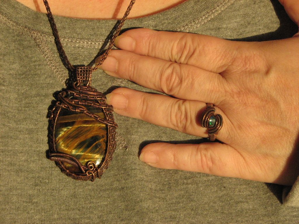 Frau Suna y LaLuna Jewelry