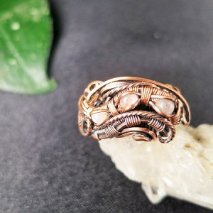 SunayLaLuna Moonstone-ring Exclusivejewelry Moonstonejewelry