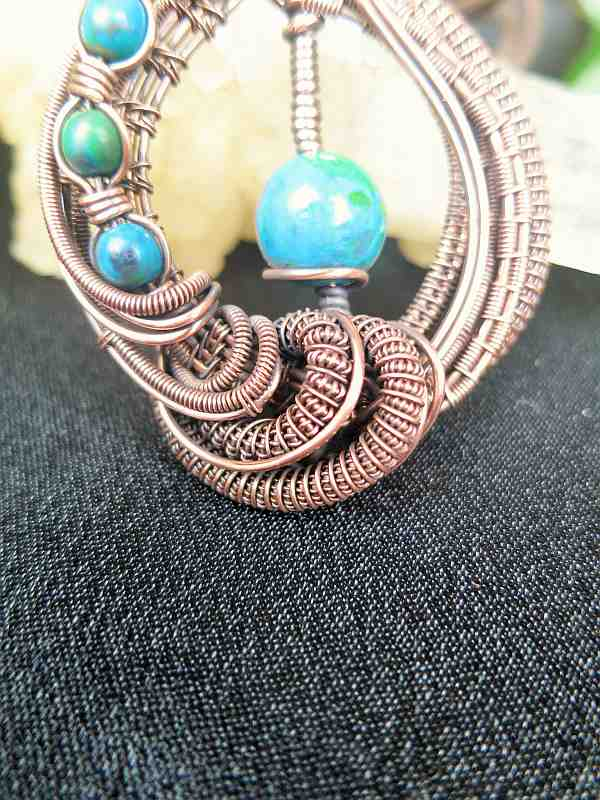 Pendant-with-Chrysokolla-Beads Jewelrydesign Semipreciousstonejewelry