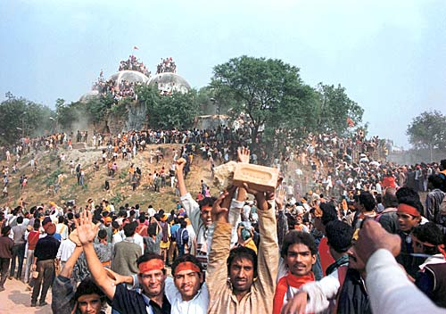 Babri Masjid just before its demolition by Kar Sevaks (Pic courtesy: indiatoday.intoday.in)