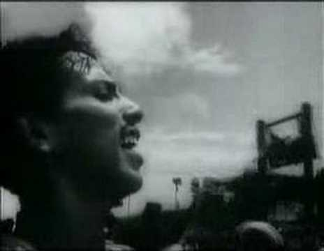 Opening credits scene from 1948 movie Mela with Shakeel Badayuni's iconic title song