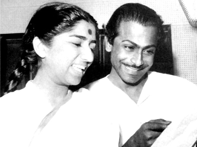 Lata ji with Salil Chowdhury (Pic courtesy: learningandcreativity.com)