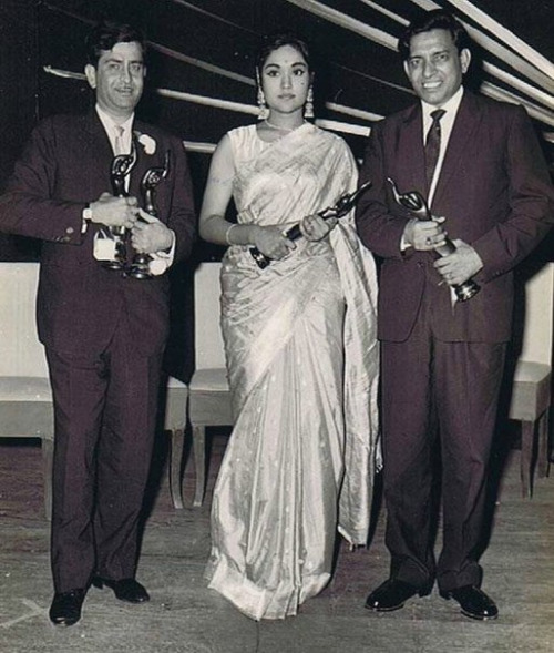 From R to L: Shailendra, Vyjayanthimala and Raj Kapoor with their Filmfare Awards