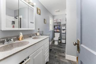 527 W Pine Ave-15