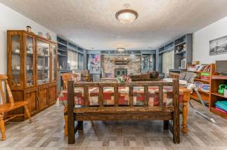 527 W Pine Ave-4