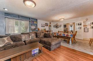 527 W Pine Ave-6