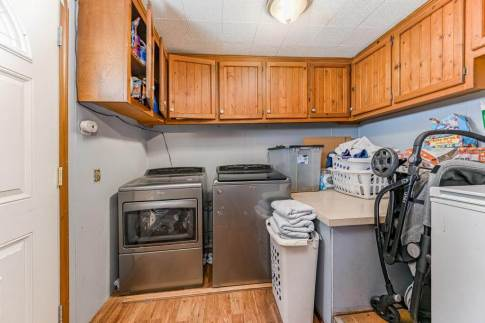 527 W Pine Ave-9